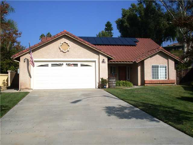 Main Photo: NORTH ESCONDIDO House for sale : 3 bedrooms : 1749 El Aire Place in Escondido