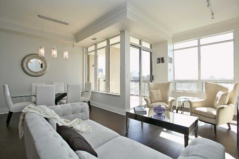Photo 9: Yorkville Condo Toronto Real Estate