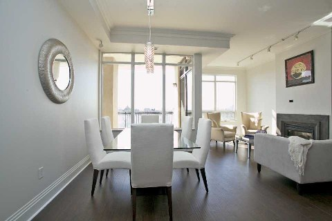 Photo 8: Yorkville Condo Toronto Real Estate