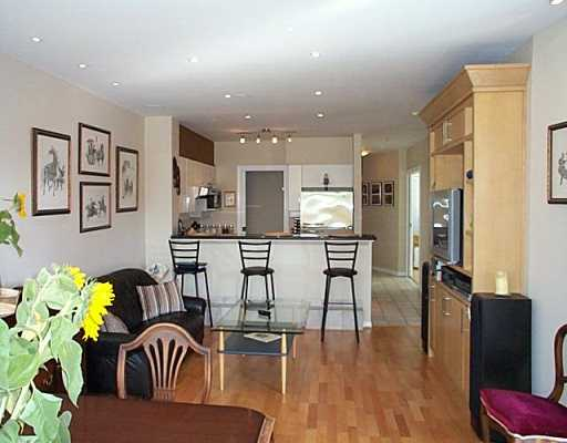 "Photo 2: 1688 CYPRESS Street in Vancouver: Kitsilano Condo for sale in ""YORKVILLE"" (Vancouver West)  : MLS® # V609107"
