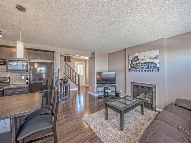 Photo 3: 14 SAGE HILL Way NW in Calgary: Sage Hill House  : MLS® # C4013485