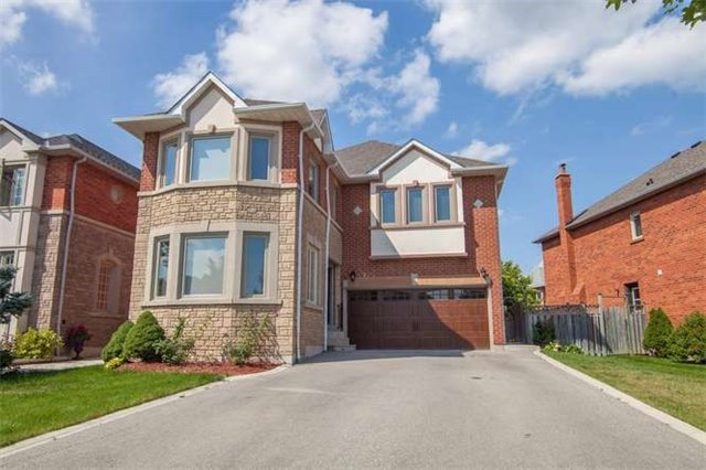 Main Photo: 4907 Natkarni Crest in Mississauga: East Credit House (2-Storey) for sale : MLS(r) # W3299630