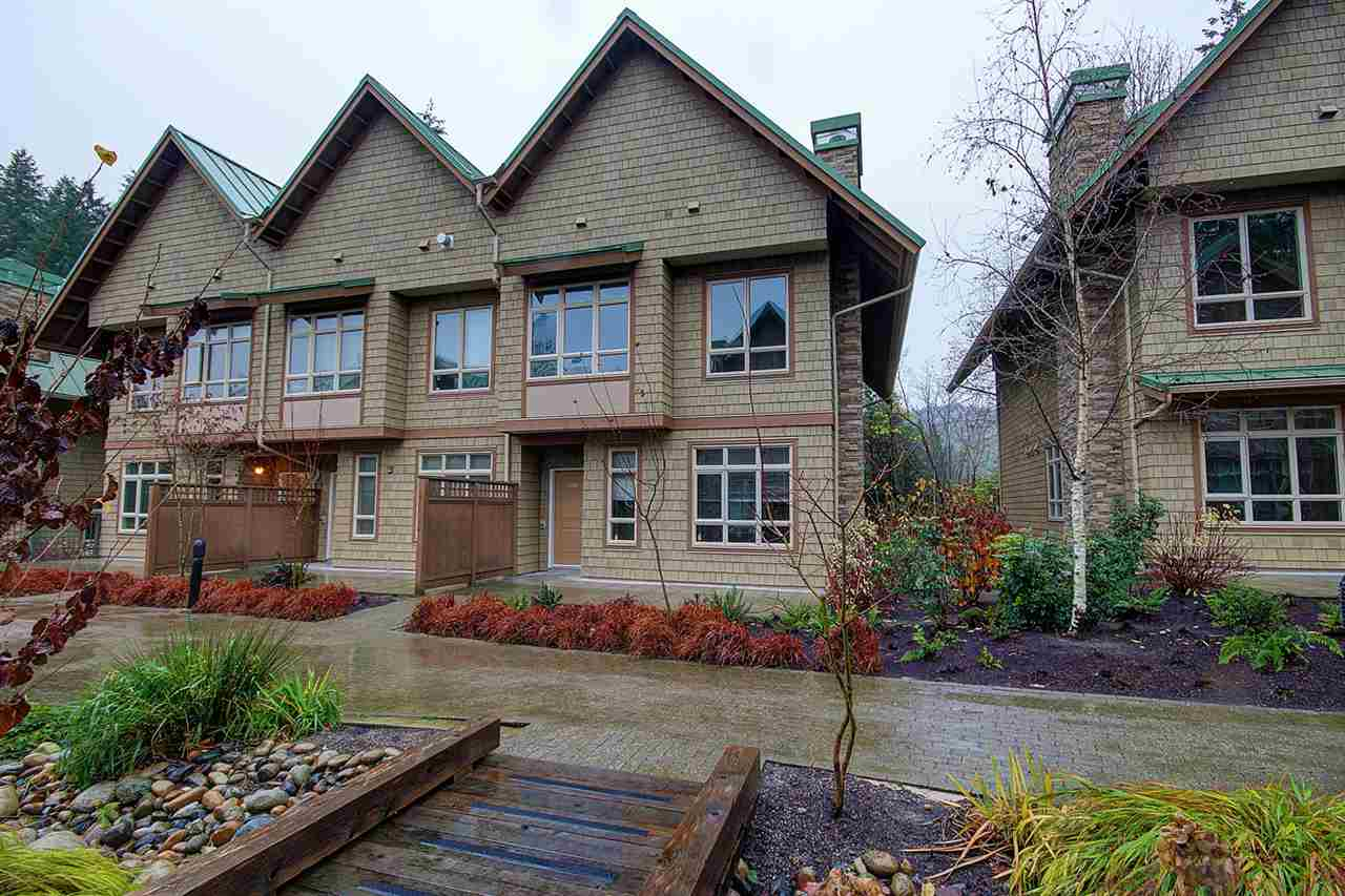 "Main Photo: 3350 MT SEYMOUR Parkway in North Vancouver: Northlands Townhouse for sale in ""NORTHLANDS TERRACE"" : MLS®# R2015318"