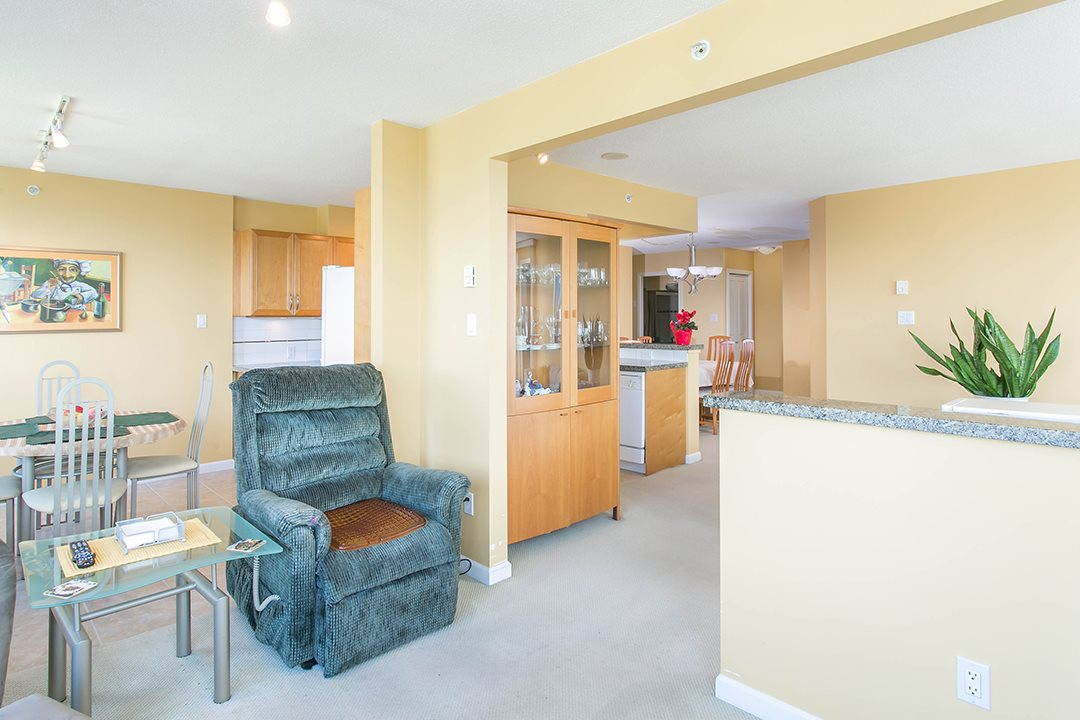 Photo 10: 1104 4398 BUCHANAN Street in Burnaby: Brentwood Park Condo for sale (Burnaby North)  : MLS® # R2056933