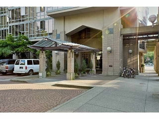"Main Photo: 1705 950 CAMBIE Street in Vancouver: Yaletown Condo for sale in ""PACIFIC PLACE LANDMARK 1"" (Vancouver West)  : MLS® # R2078354"
