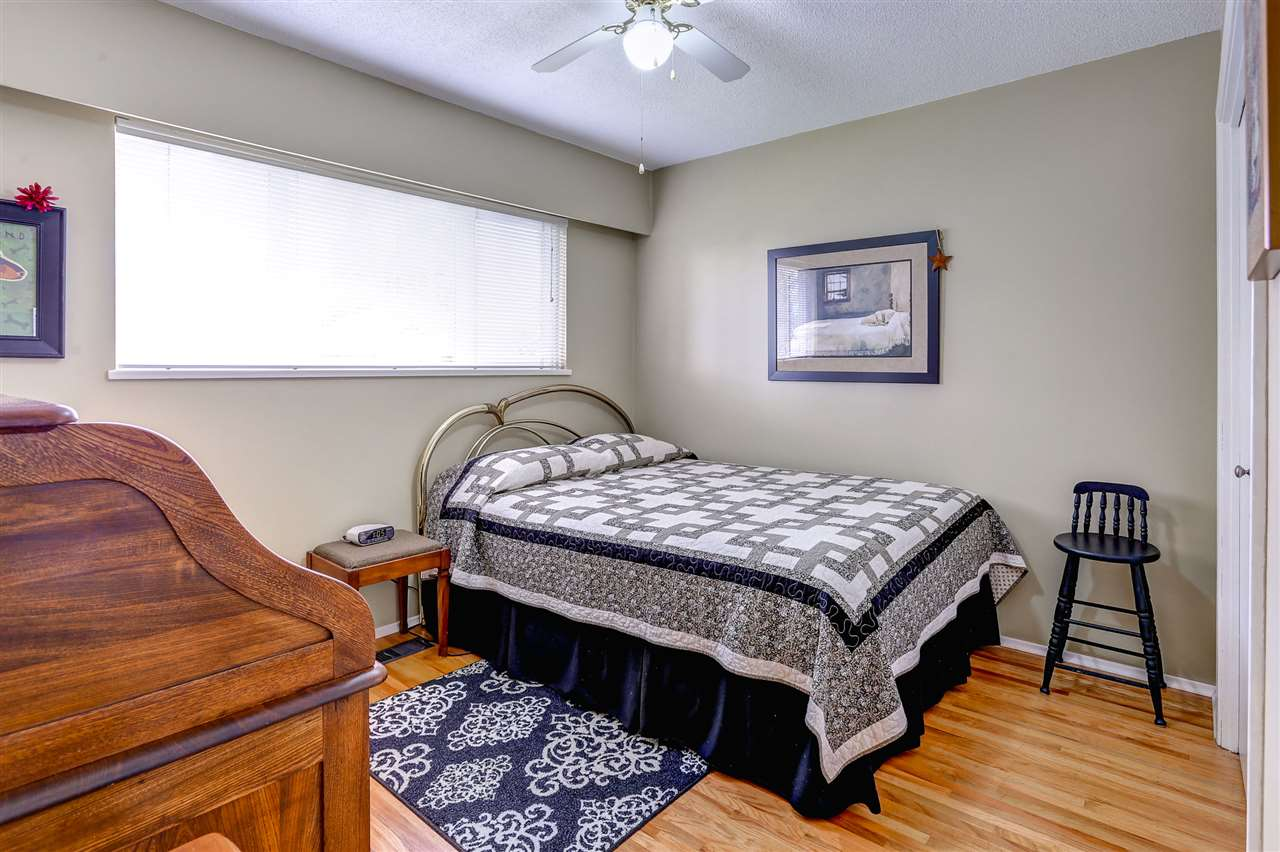 Photo 10: 333 MUNDY Street in Coquitlam: Coquitlam East House for sale : MLS® # R2119831