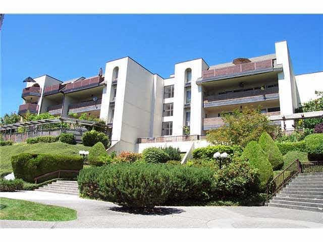 "Main Photo: 303 4941 LOUGHEED Highway in Burnaby: Brentwood Park Condo for sale in ""DOUGLASVIEW APARTMENTS"" (Burnaby North)  : MLS® # R2133803"