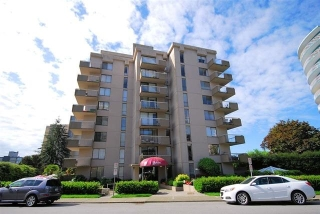 Main Photo: 502 2150 BELLEVUE Avenue in West Vancouver: Dundarave Condo for sale : MLS(r) # R2144786