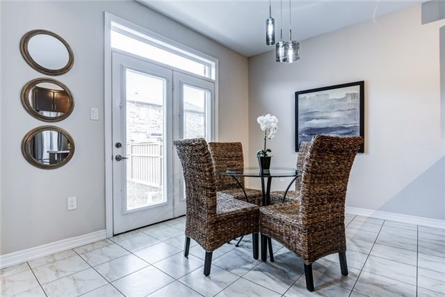 Photo 8: 75 Thomas Woodlock Street in Clarington: Newcastle House (Bungaloft) for sale : MLS(r) # E3742184