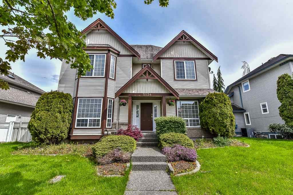"Main Photo: 5134 223 Street in Langley: Murrayville House for sale in ""HILLCREST"" : MLS® # R2161492"