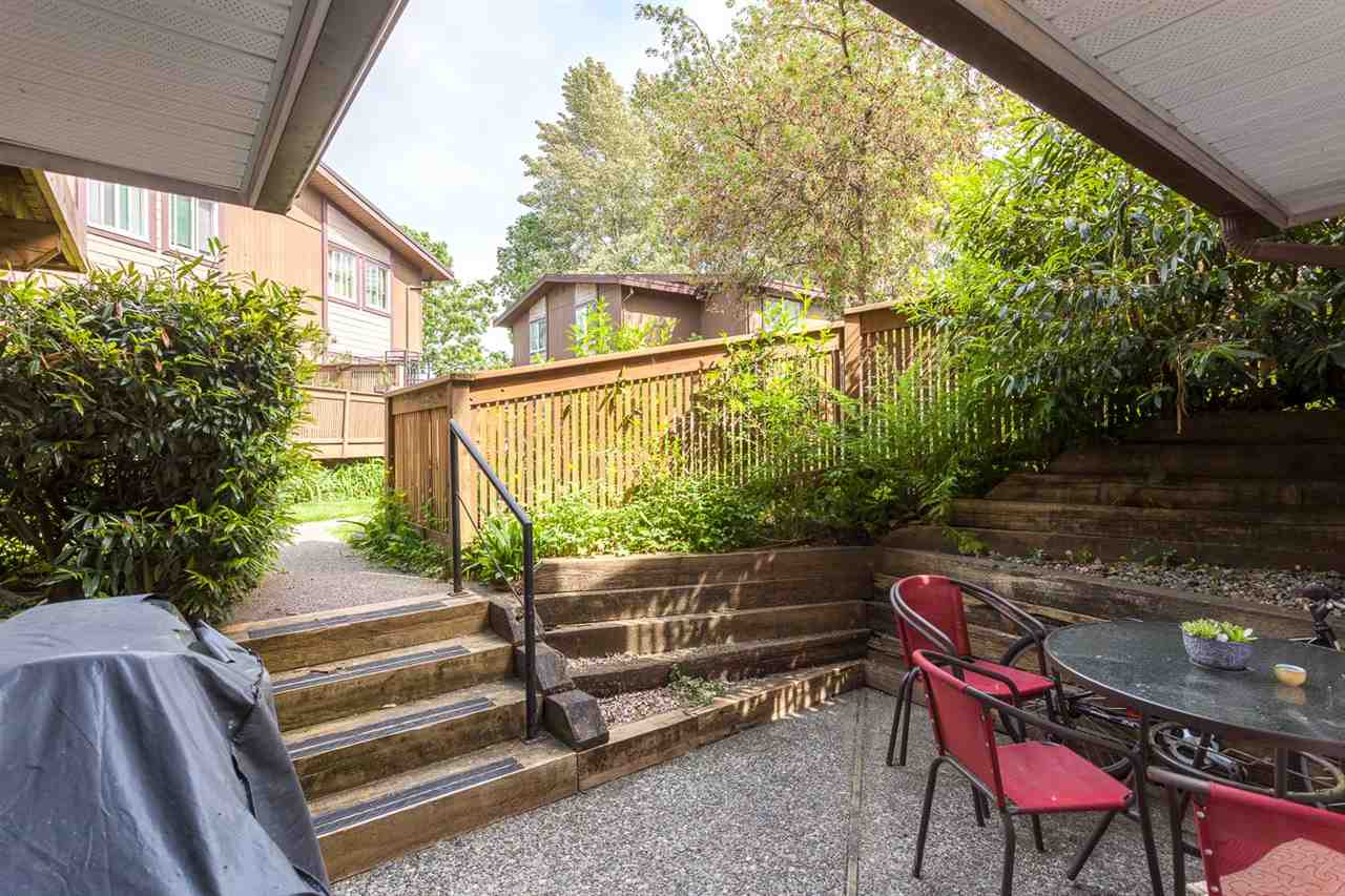 "Photo 4: 2 309 AFTON Lane in Port Moody: North Shore Pt Moody Townhouse for sale in ""Highland Park"" : MLS® # R2176738"