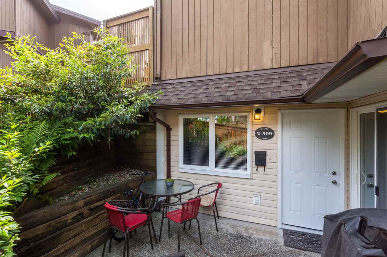 "Photo 3: 2 309 AFTON Lane in Port Moody: North Shore Pt Moody Townhouse for sale in ""Highland Park"" : MLS® # R2176738"