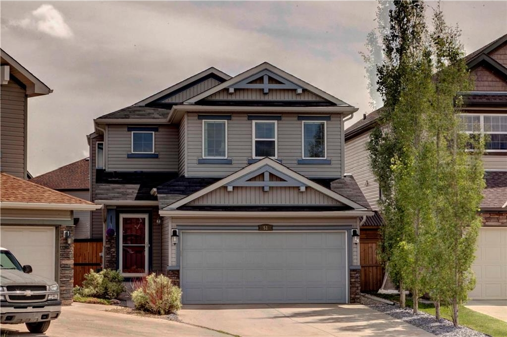 Main Photo: 51 COVECREEK Place NE in Calgary: Coventry Hills House for sale : MLS(r) # C4124271