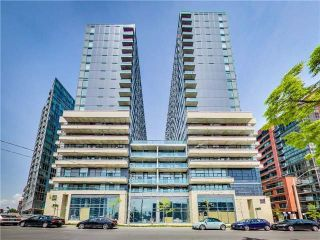 Main Photo: 1512W 36 Lisgar Street in Toronto: Little Portugal Condo for lease (Toronto C01)  : MLS® # C3999665