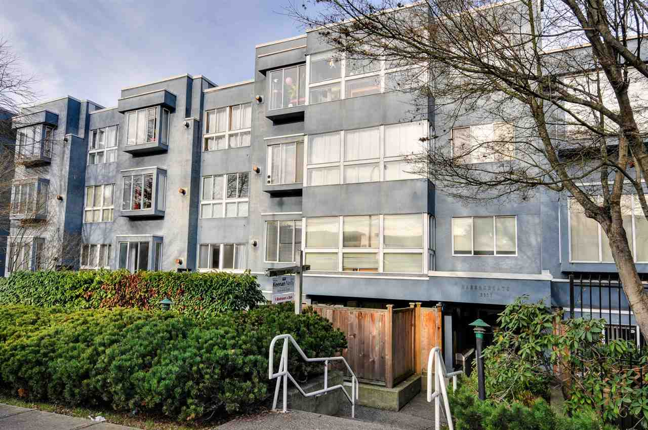 "Main Photo: 208 2133 DUNDAS Street in Vancouver: Hastings Condo for sale in ""HARBOUR GATE"" (Vancouver East)  : MLS® # R2227783"