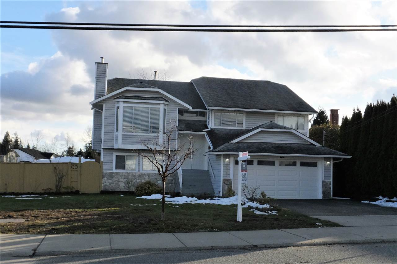 Main Photo: 15292 94 Avenue in Surrey: Fleetwood Tynehead House for sale : MLS® # R2243166
