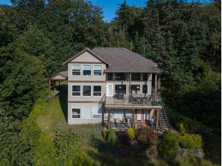 Main Photo: 43251 SALMONBERRY Drive in Chilliwack: Chilliwack Mountain House for sale : MLS®# R2284058