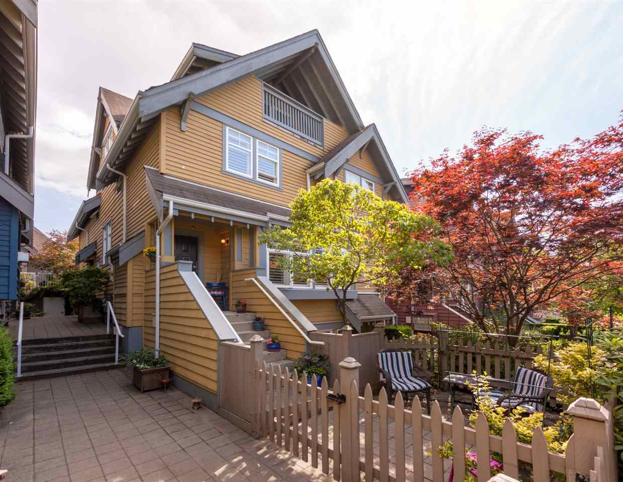 "Main Photo: 1662 GRANT Street in Vancouver: Grandview VE Townhouse for sale in ""TEMPO"" (Vancouver East)  : MLS®# R2285417"