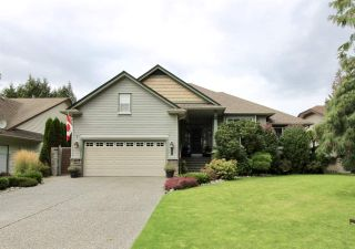 Main Photo: 527 DRIFTWOOD Avenue: Harrison Hot Springs House for sale : MLS®# R2304518