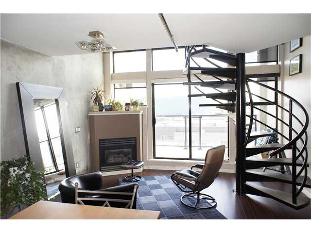 "Main Photo: 515 428 W 8TH Avenue in Vancouver: Mount Pleasant VW Condo for sale in ""XL LOFTS"" (Vancouver West)  : MLS®# V874395"