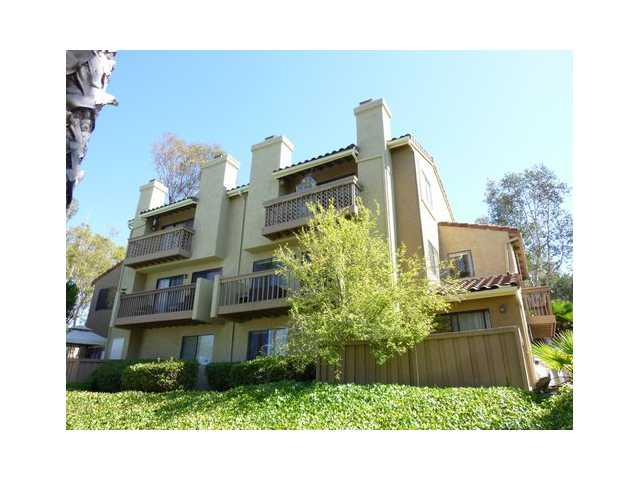 Main Photo: RANCHO BERNARDO Townhome for sale : 2 bedrooms : 11824 Paseo Lucido #29 in San Diego