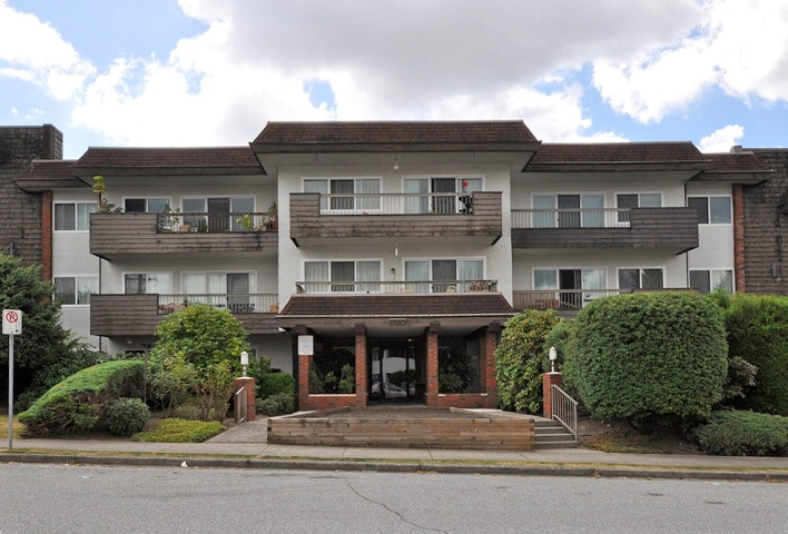 Main Photo: 112 13530 HILTON Road in Surrey: Bolivar Heights Condo for sale (North Surrey)  : MLS®# F1221645