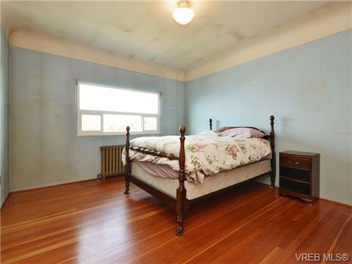 Photo 11: 318 Clifton Terrace in VICTORIA: Es Saxe Point Single Family Detached for sale (Esquimalt)  : MLS(r) # 357253