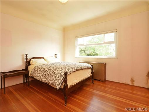 Photo 13: 318 Clifton Terrace in VICTORIA: Es Saxe Point Single Family Detached for sale (Esquimalt)  : MLS(r) # 357253