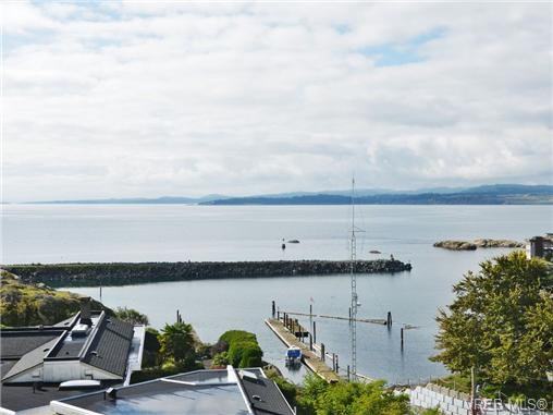 Photo 2: 318 Clifton Terrace in VICTORIA: Es Saxe Point Single Family Detached for sale (Esquimalt)  : MLS(r) # 357253