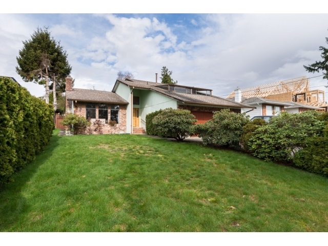 Photo 1: 13249 14A Avenue in Surrey: Crescent Bch Ocean Pk. House for sale (South Surrey White Rock)  : MLS(r) # R2044545
