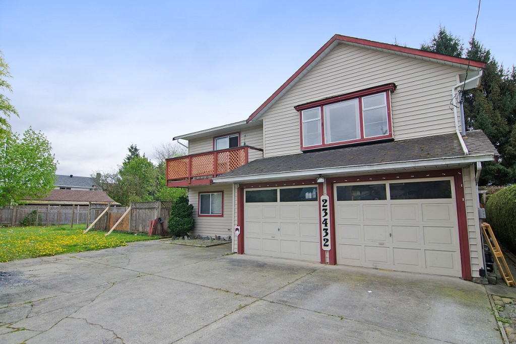 Main Photo: 23432 DEWDNEY TRUNK Road in Maple Ridge: Cottonwood MR House for sale : MLS® # R2058947