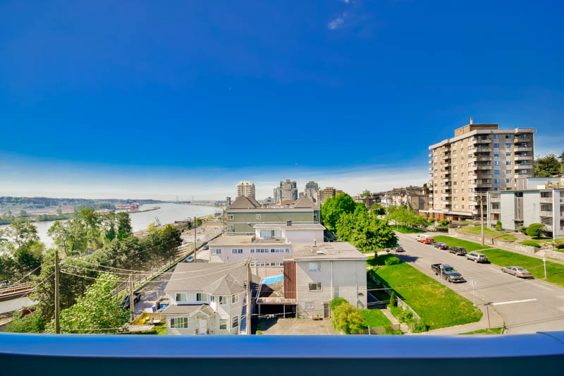 "Photo 38: 701 31 ELLIOT Street in New Westminster: Downtown NW Condo for sale in ""ROYAL ALBERT TOWER"" : MLS(r) # R2065597"