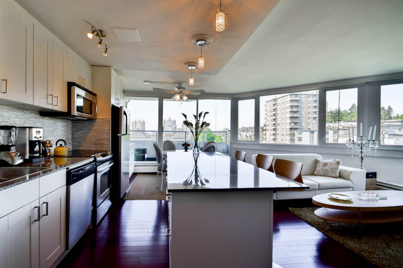 "Photo 11: 701 31 ELLIOT Street in New Westminster: Downtown NW Condo for sale in ""ROYAL ALBERT TOWER"" : MLS(r) # R2065597"