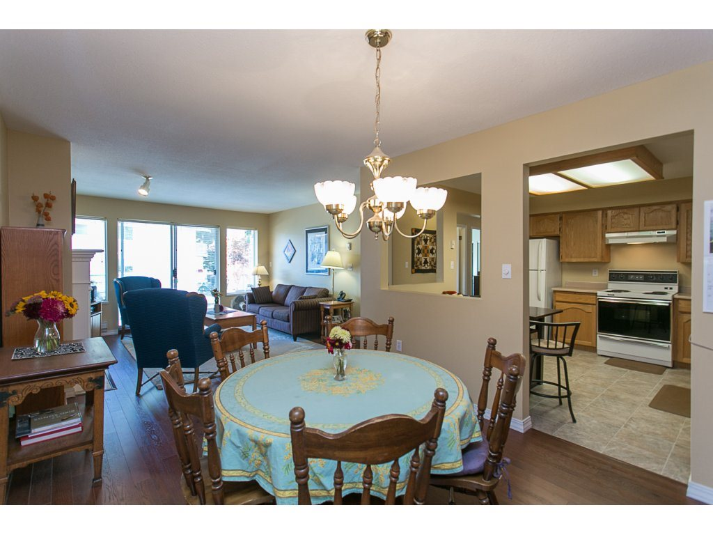 "Photo 7: 209 33110 GEORGE FERGUSON Way in Abbotsford: Central Abbotsford Condo for sale in ""Tiffany Park"" : MLS® # R2110193"