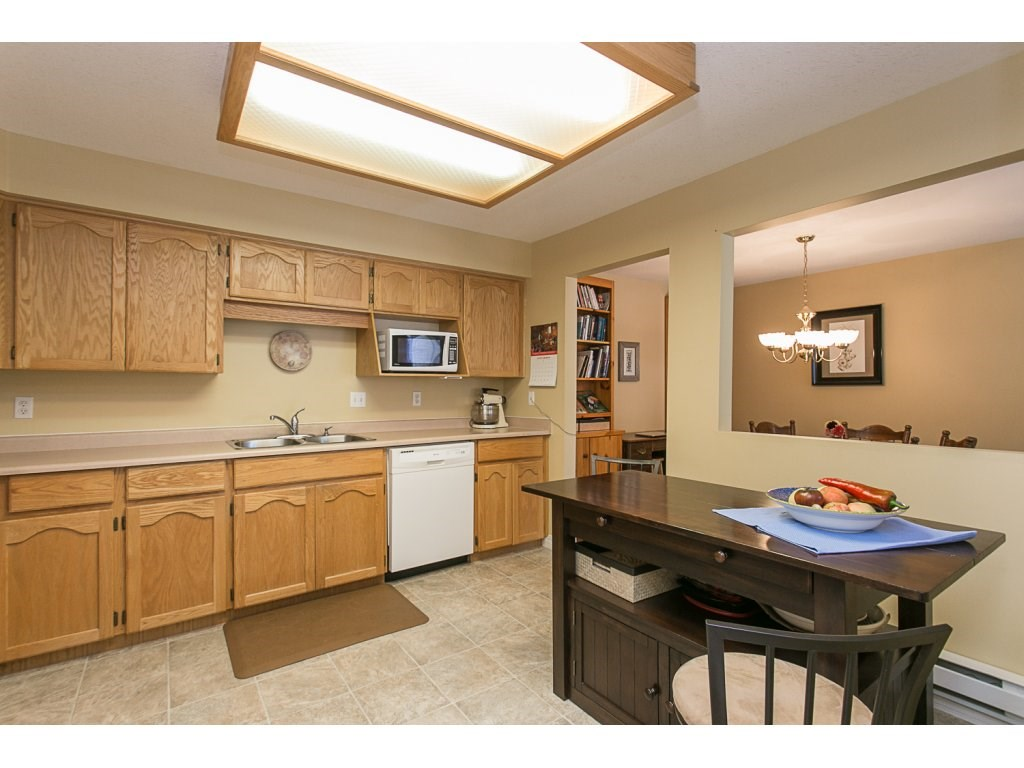 "Photo 3: 209 33110 GEORGE FERGUSON Way in Abbotsford: Central Abbotsford Condo for sale in ""Tiffany Park"" : MLS® # R2110193"