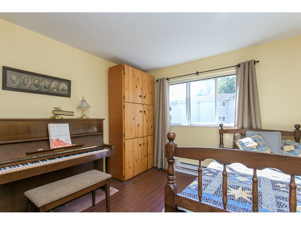 "Photo 15: 209 33110 GEORGE FERGUSON Way in Abbotsford: Central Abbotsford Condo for sale in ""Tiffany Park"" : MLS® # R2110193"