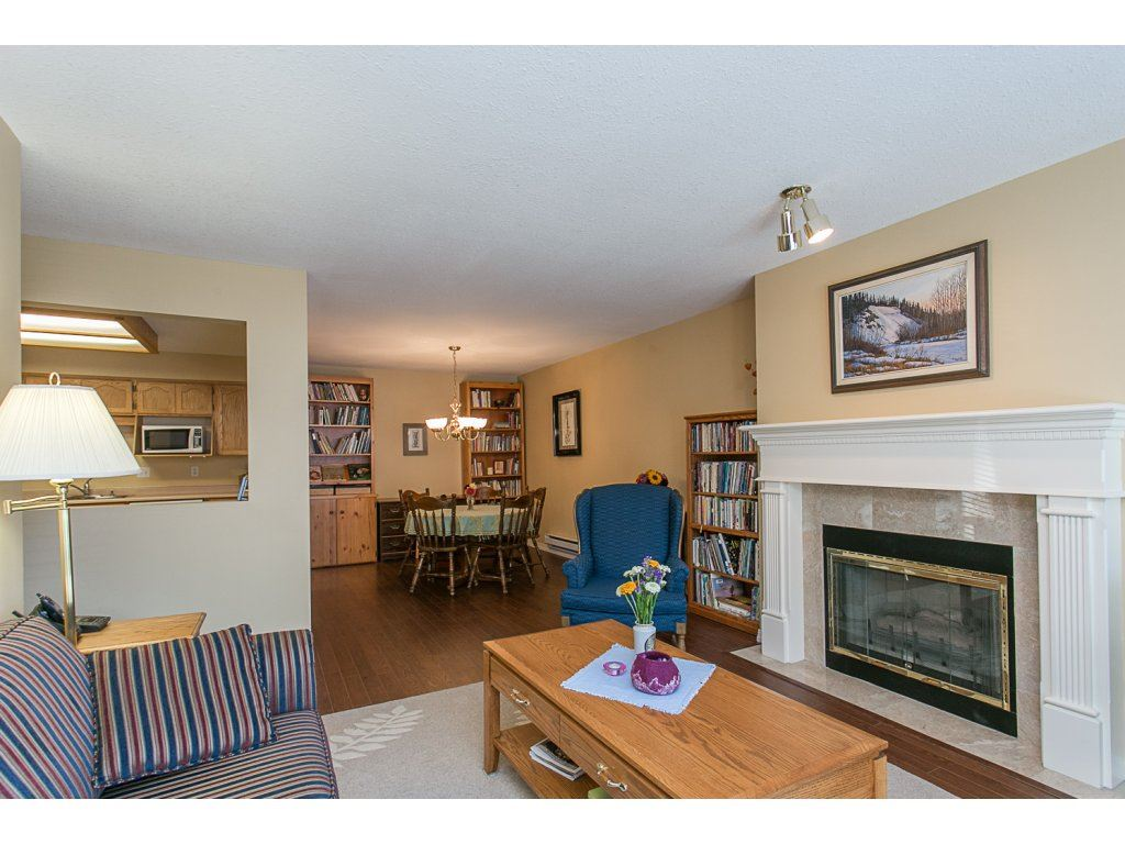 "Photo 10: 209 33110 GEORGE FERGUSON Way in Abbotsford: Central Abbotsford Condo for sale in ""Tiffany Park"" : MLS® # R2110193"