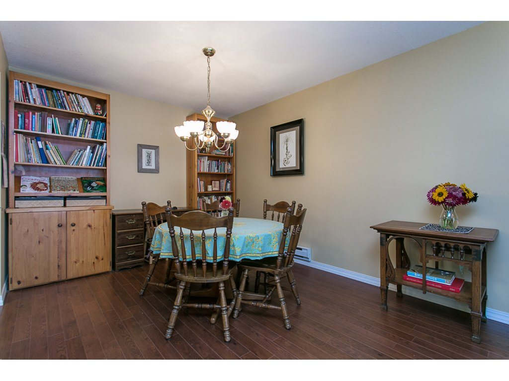 "Photo 6: 209 33110 GEORGE FERGUSON Way in Abbotsford: Central Abbotsford Condo for sale in ""Tiffany Park"" : MLS® # R2110193"