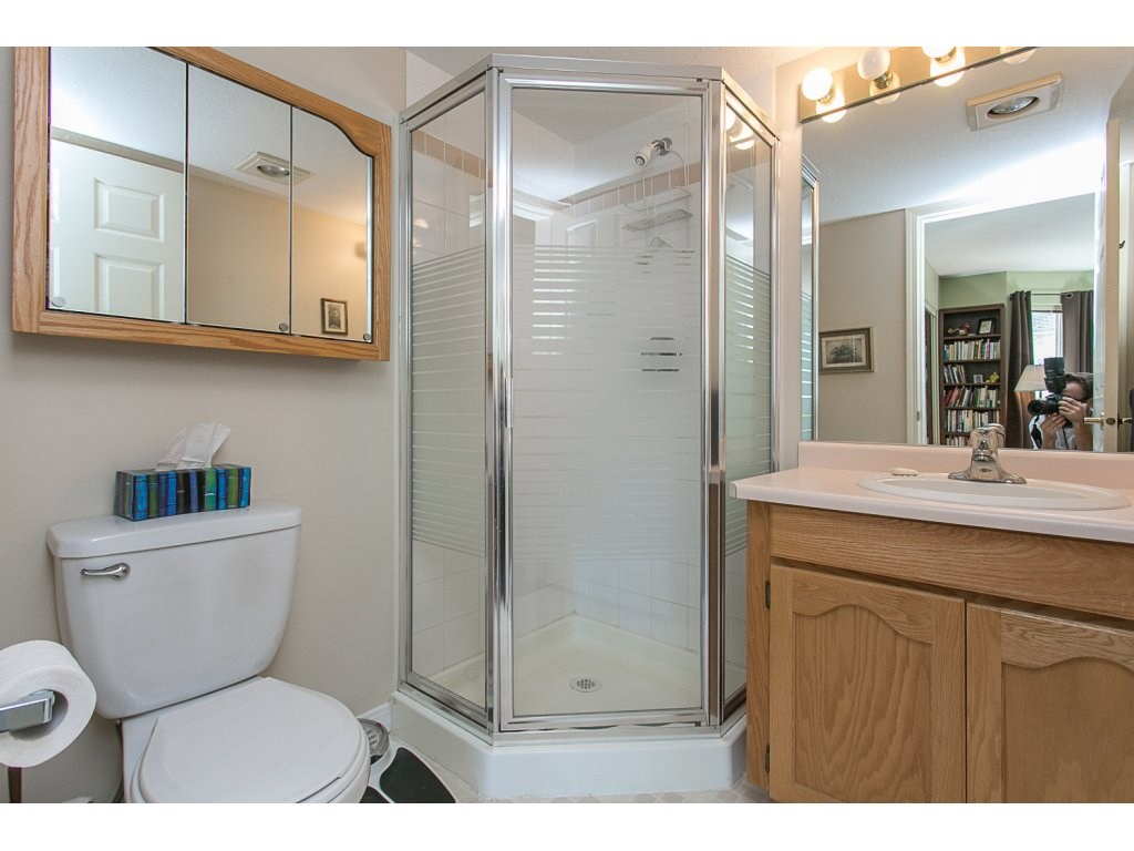 "Photo 14: 209 33110 GEORGE FERGUSON Way in Abbotsford: Central Abbotsford Condo for sale in ""Tiffany Park"" : MLS® # R2110193"