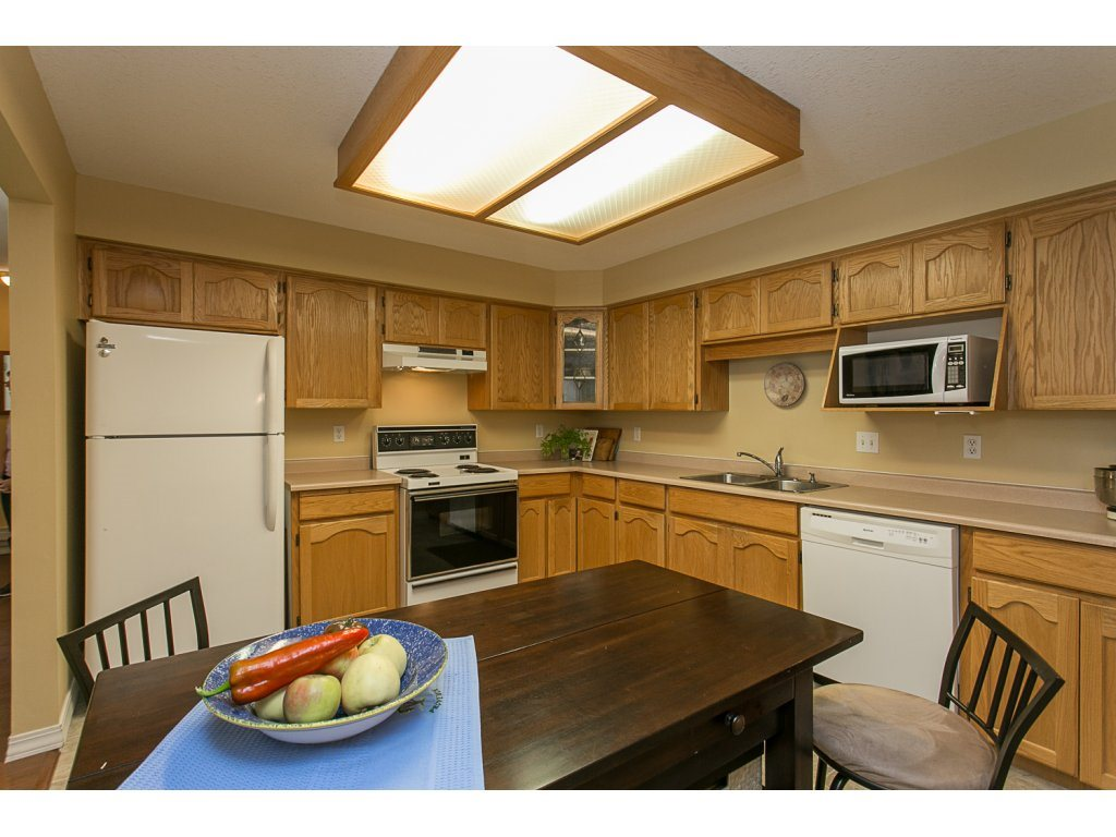 "Photo 5: 209 33110 GEORGE FERGUSON Way in Abbotsford: Central Abbotsford Condo for sale in ""Tiffany Park"" : MLS® # R2110193"