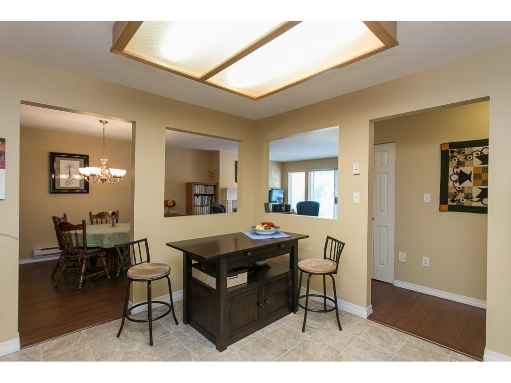"Photo 4: 209 33110 GEORGE FERGUSON Way in Abbotsford: Central Abbotsford Condo for sale in ""Tiffany Park"" : MLS® # R2110193"
