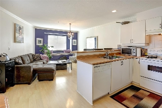 Main Photo: 2118 TRIUMPH Street in Vancouver: Hastings Townhouse for sale (Vancouver East)  : MLS(r) # R2137570