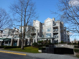 "Main Photo: 208 12155 191B Street in Pitt Meadows: Central Meadows Condo for sale in ""EDGEWOOD PARK"" : MLS® # R2151835"