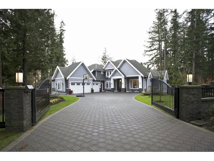 Main Photo: 5433 126A Street in Surrey: Panorama Ridge House for sale : MLS®# R2166630