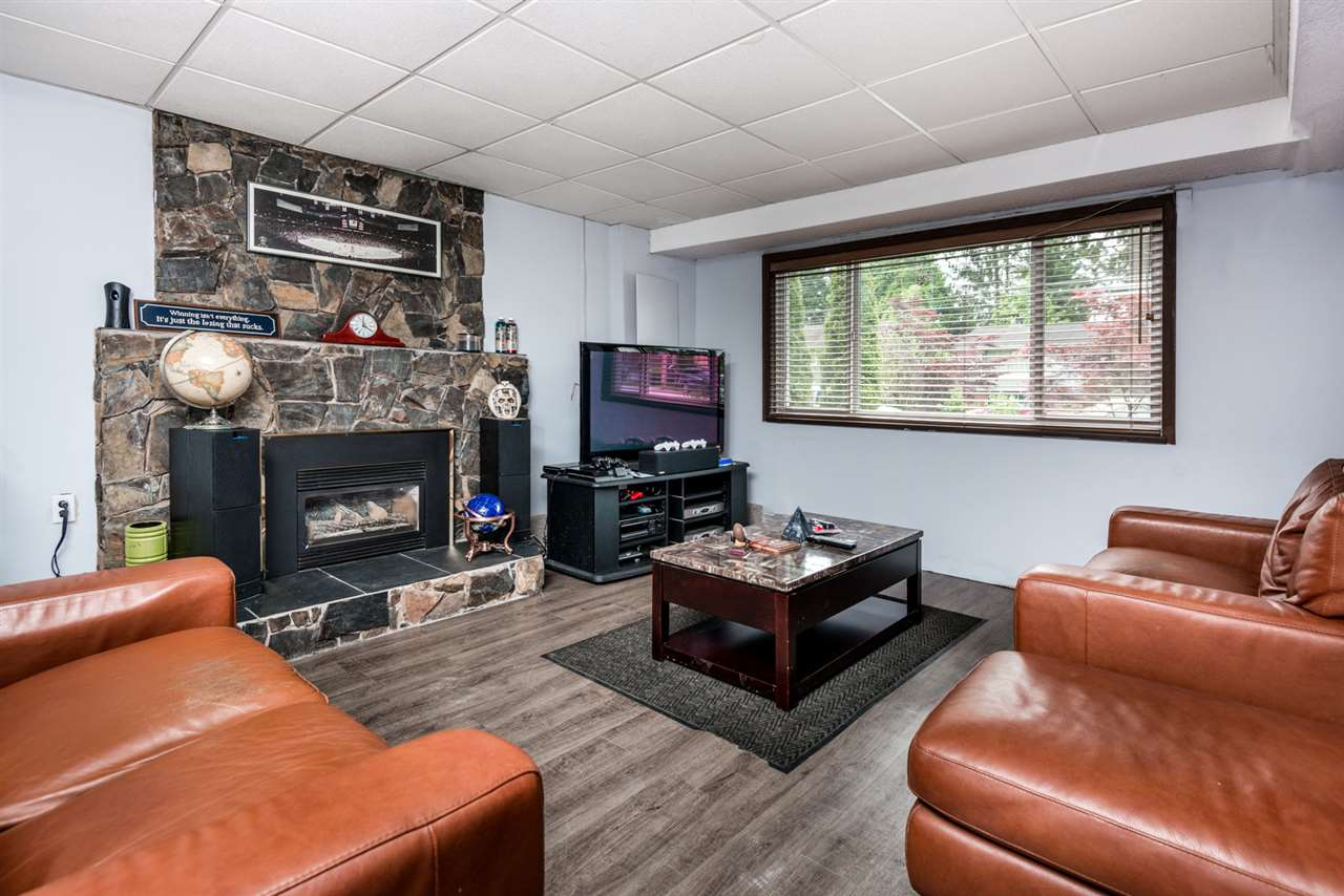 Photo 16: 2639 PATRICIA Avenue in Port Coquitlam: Woodland Acres PQ House for sale : MLS(r) # R2169157