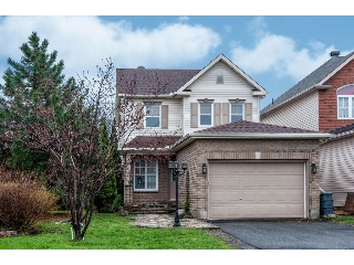 Main Photo: 215 Redpath Drive in Ottawa: Barrhaven Freehold for sale : MLS® # 1056389