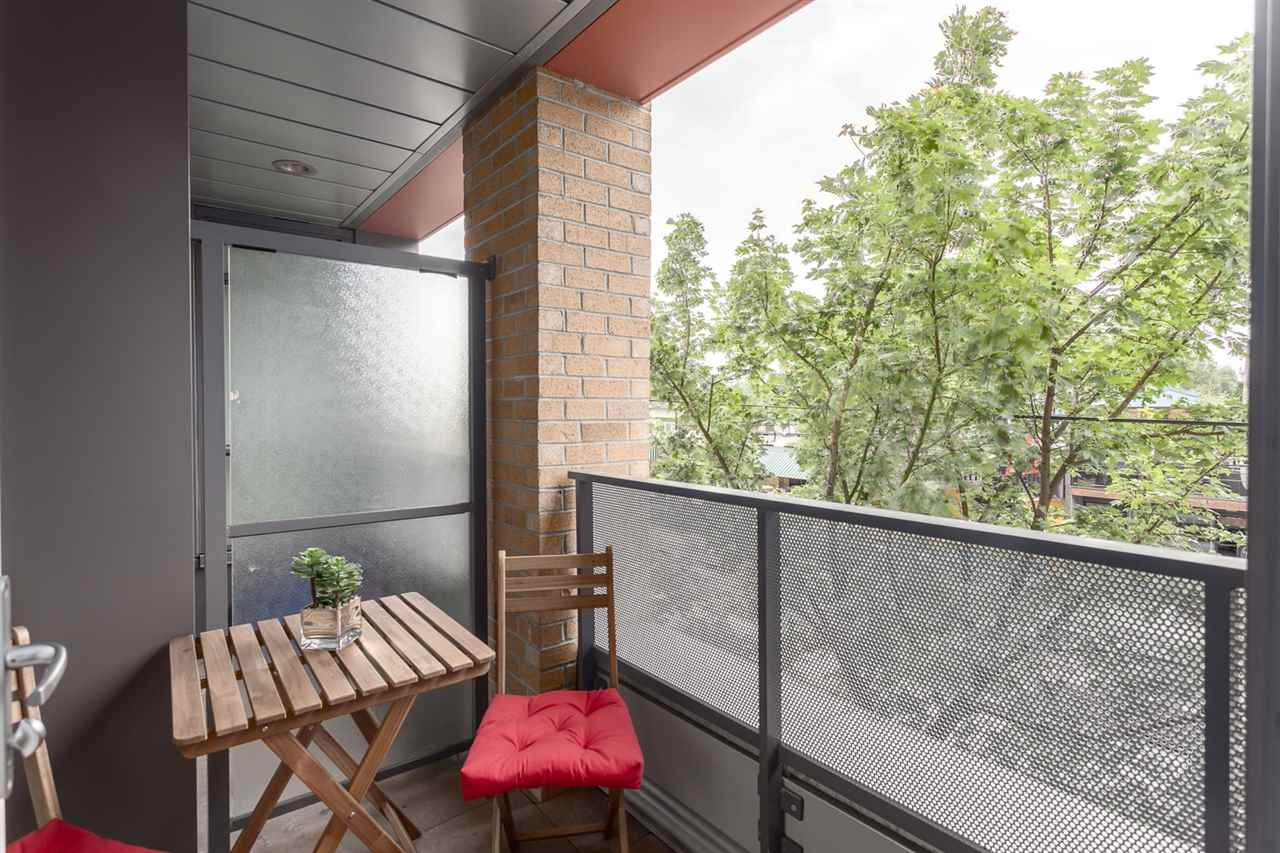 "Photo 16: 217 2250 COMMERCIAL Drive in Vancouver: Grandview VE Condo for sale in ""MARQUEE"" (Vancouver East)  : MLS® # R2173556"