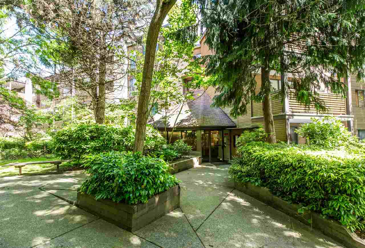 "Main Photo: 408 10626 151A Street in Surrey: Guildford Condo for sale in ""Lincoln Hill"" (North Surrey)  : MLS®# R2176949"