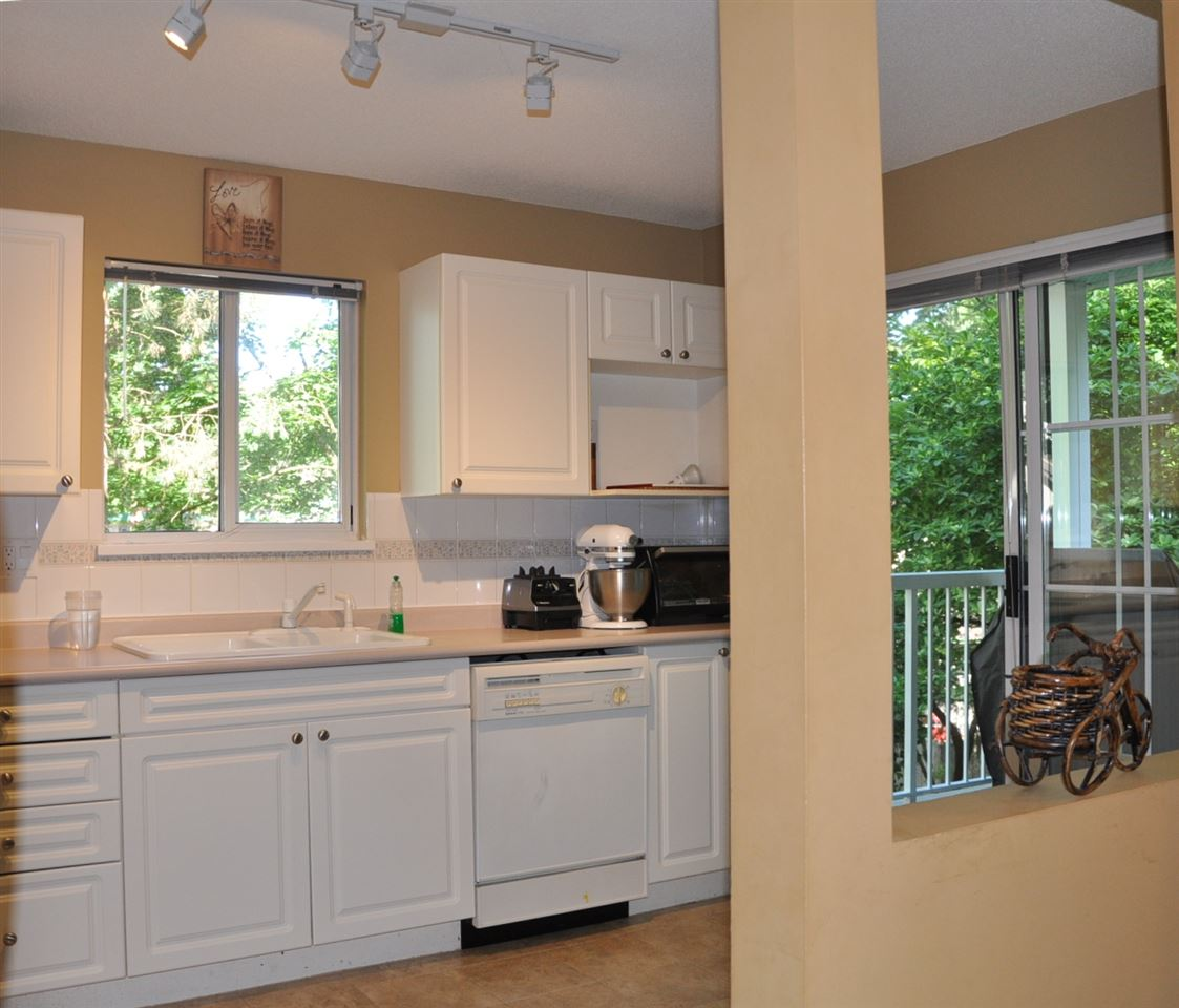 "Photo 3: 216 2678 DIXON Street in Port Coquitlam: Central Pt Coquitlam Condo for sale in ""Springdale"" : MLS® # R2180959"