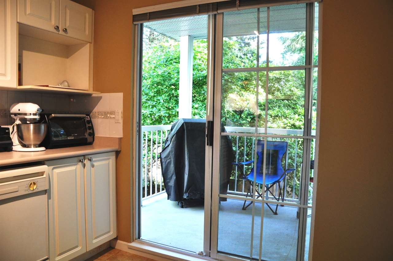"Photo 4: 216 2678 DIXON Street in Port Coquitlam: Central Pt Coquitlam Condo for sale in ""Springdale"" : MLS® # R2180959"